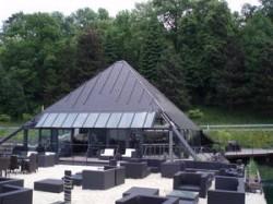 Pyramide im See als Tourismusprojekt - kaerntenkult