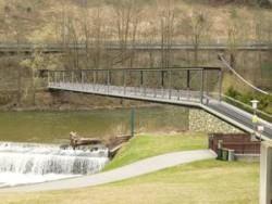 Fussgängerbrücke Spittal Nord als Stahlfachwerkbrücke - Low-cost-Variante